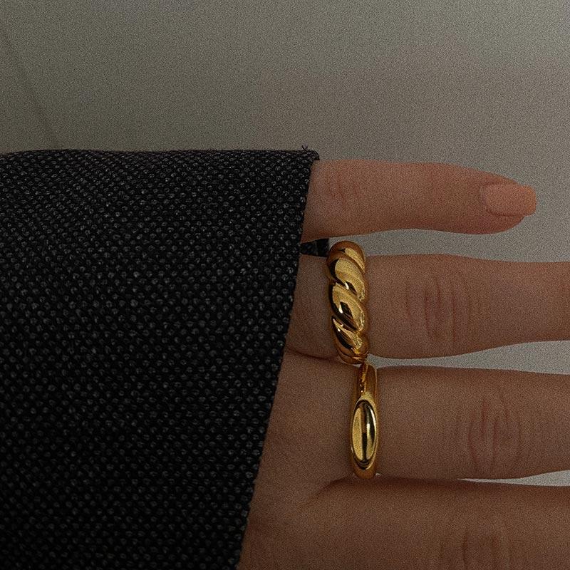 Ravel-Croissant-Ring